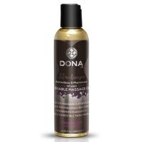 Массажное масло DONA Kissable Massage Oil Chocolate Mousse (110 мл) можно для оральных ласк