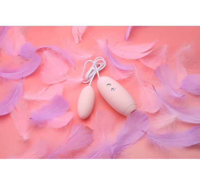 Вакуумный стимулятор с виброяйцом 2-в-1 KisToy Miss VV Pink